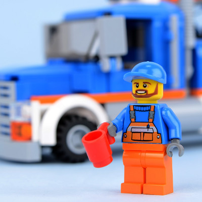 """60056 Tow Truck"" by Brickset is licensed under CC BY 2.0"